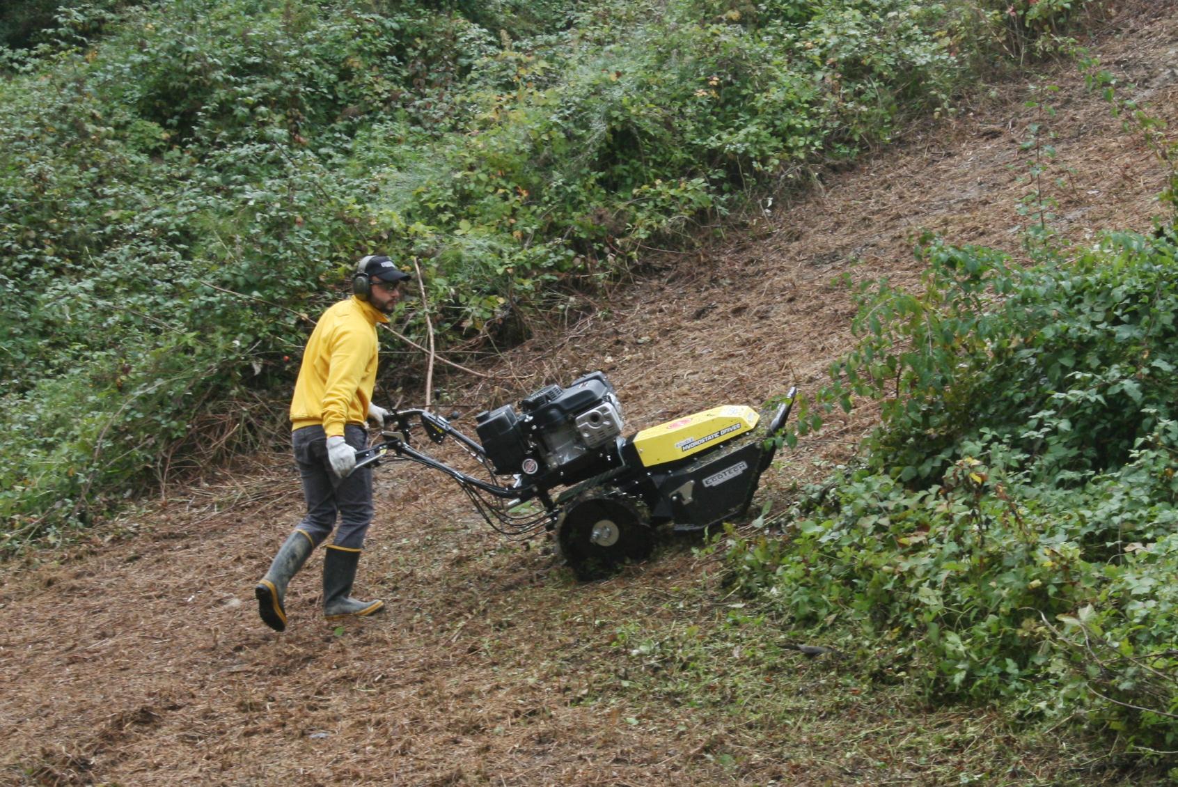 Ecotech Maquinaria de Jardinería Profesional