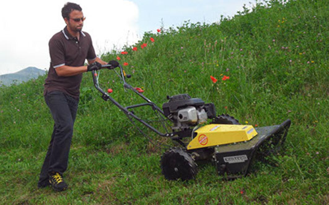 Trucos para cortar hierba en pendientes de forma segura - Cortar hierba alta ...